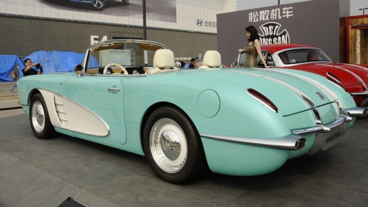 Cela Ressemble à Une Chevrolet Corvette C1 D'origine, N'est Ce Pas?