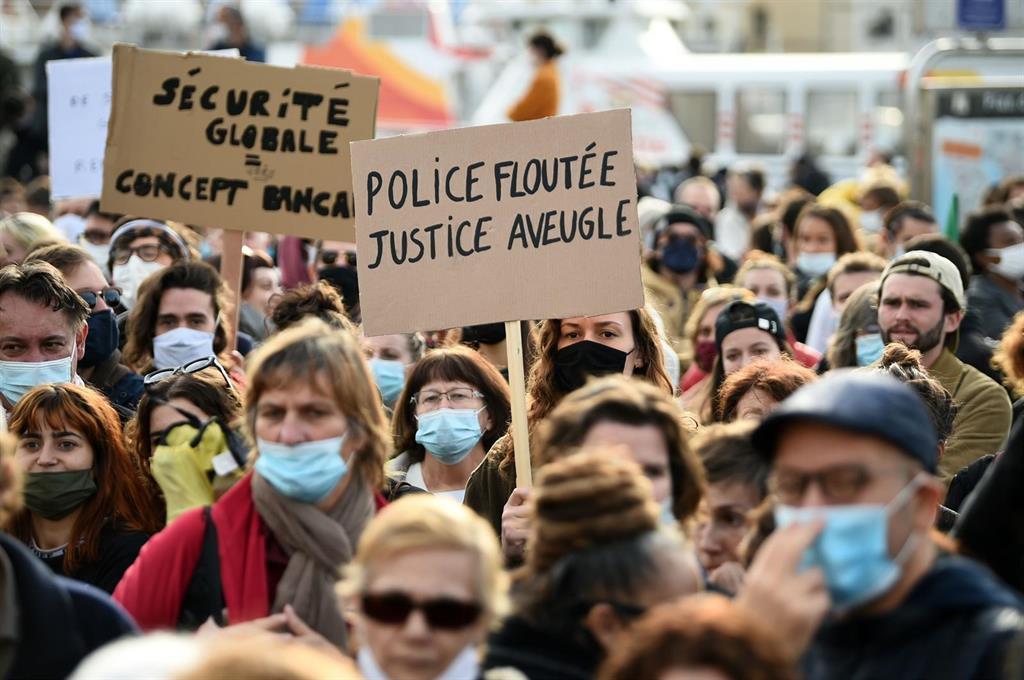 Des Mobilisations Dans Toute La France Racontent La Nouvelle Loi