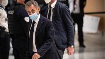 Sarkozy Siège Devant Un Juge Pour Corruption Et Trafic D'influence