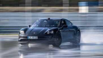 42171 Km! Porsche Taycan établit Un Record De Dérive Pour