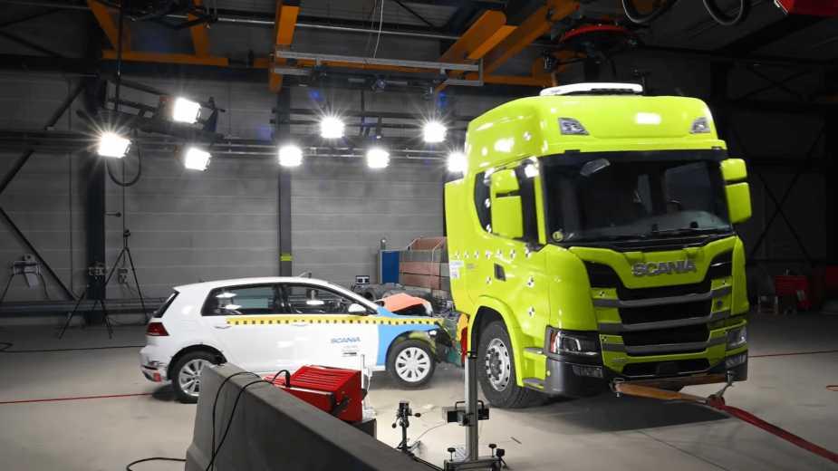 C'est Ainsi Que Scania Teste La Sécurité De Ses Camions