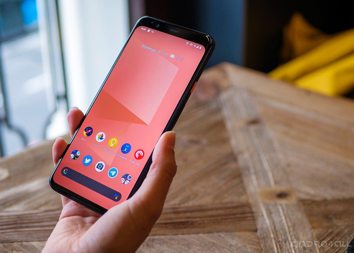 Google Pixel 4 XL en main