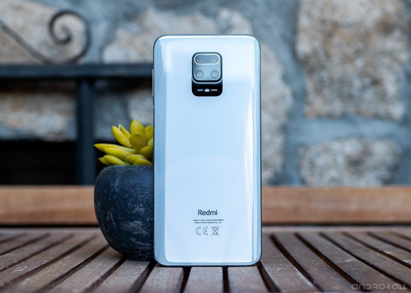 Arrière du Redmi Note 9 Pro en blanc