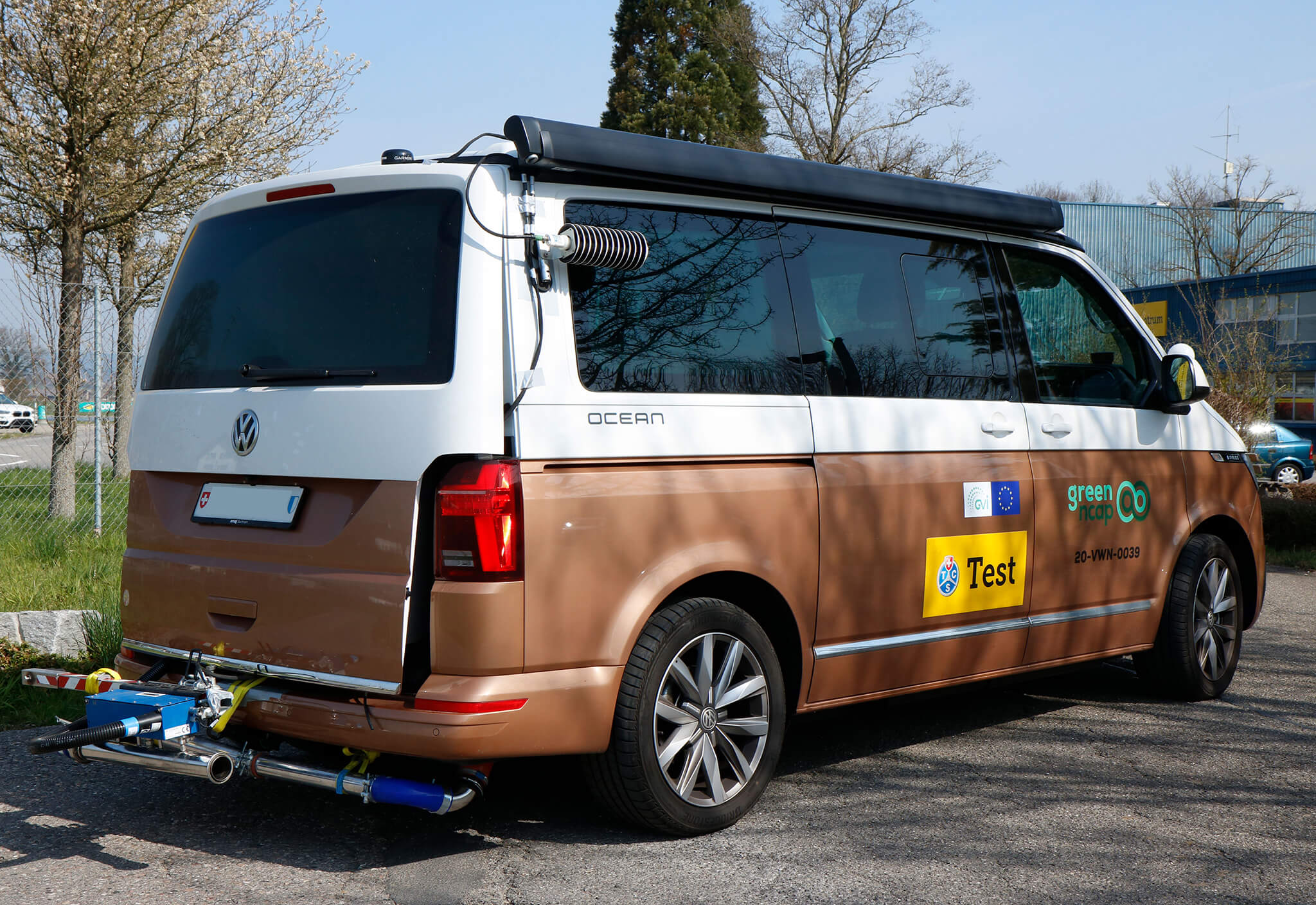 Volkswagen Transporter California Green NCAP