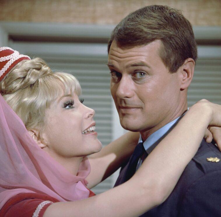 Barbara Eden and Larry Hagman of