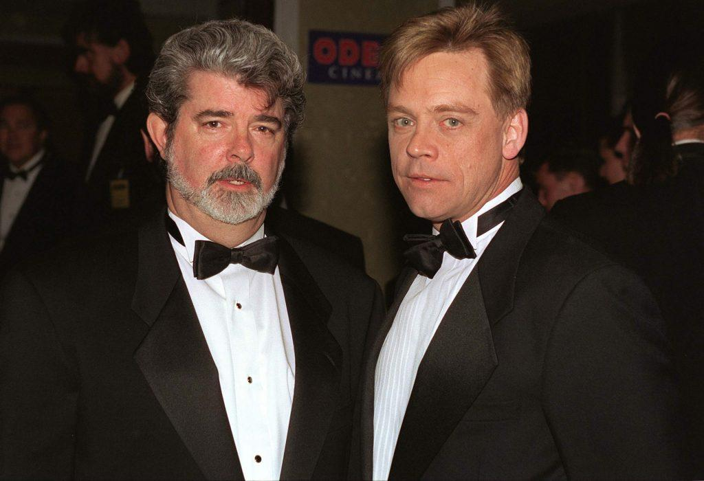 George Lucas et Mark Hamill portant des costumes