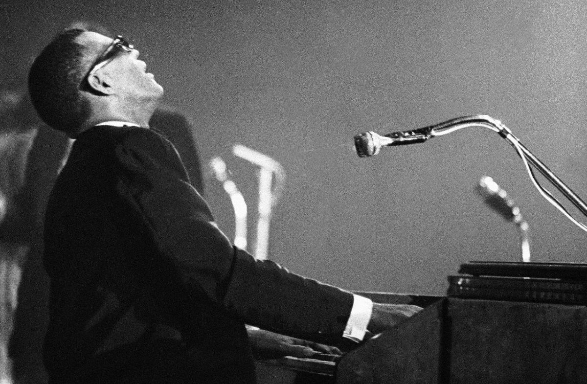 Ray Charles on stage in 1961