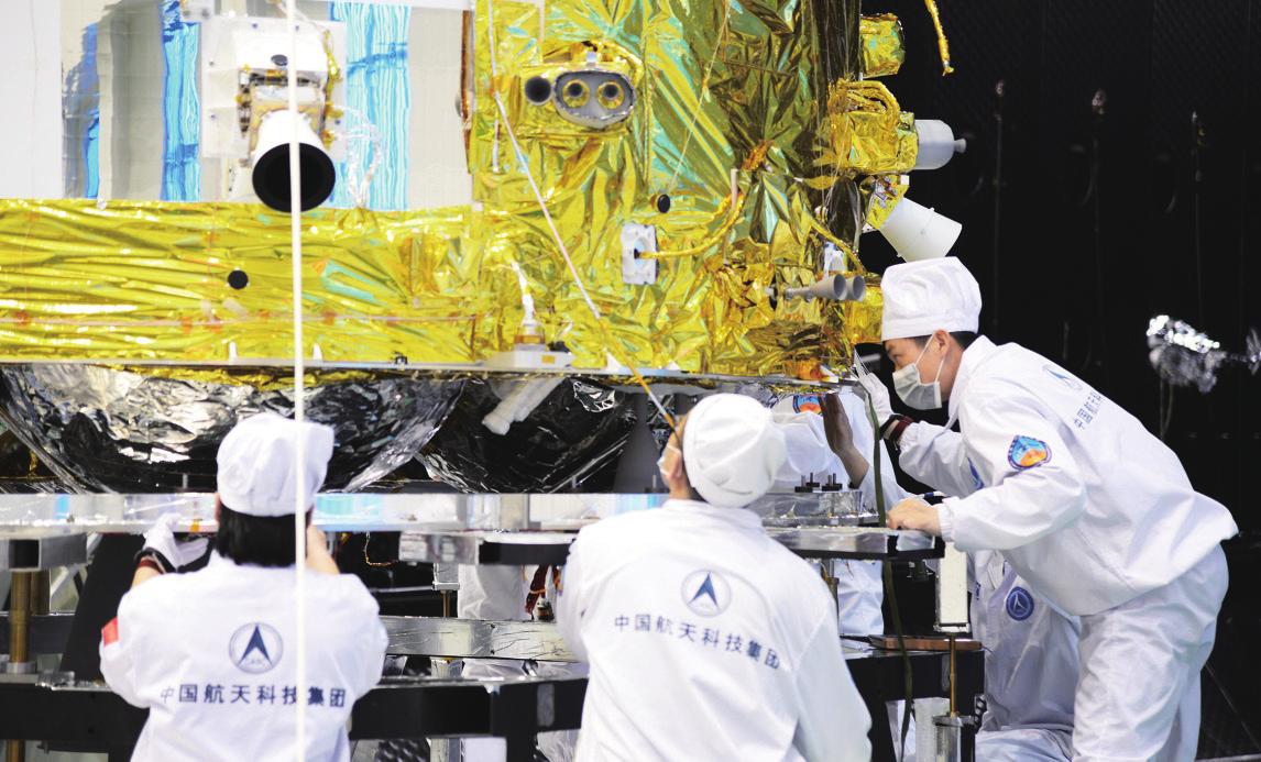 Montage de la capsule de retour orbiteur Chang'e 5.