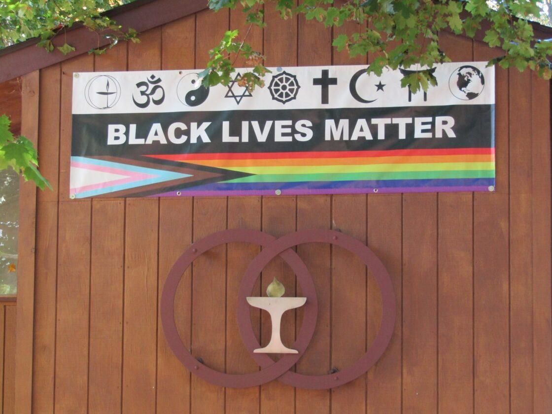 Church A Eu Ses Drapeaux Pride Et Black Lives Matter