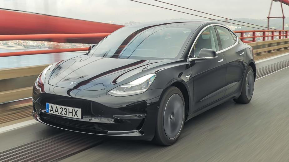 Compresseur Tesla. Nous Sommes Allés En Algarve Pour Tester Le