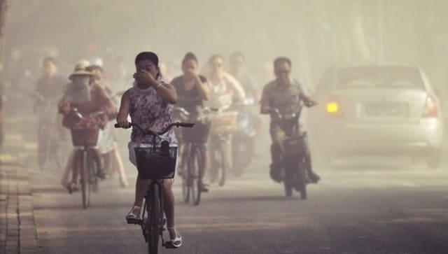 Des couvertures de smog toxiques à Delhi après que les fêtards aient ignoré l'interdiction de faire exploser des pétards pour Diwali