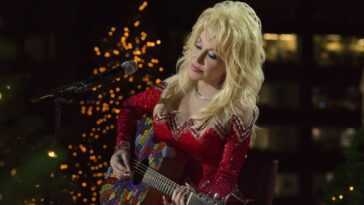 Dolly Parton rehearses for the 2016 Christmas in Rockefeller Center