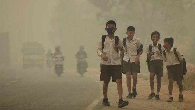 Double coup dur: avec l'hiver qui approche du smog mortel et de nouveaux cas de COVID-19 inquiètent les médecins et les résidents de Delhi