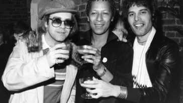 Elton John Raconte Une Histoire En Larmes Sur Les Derniers