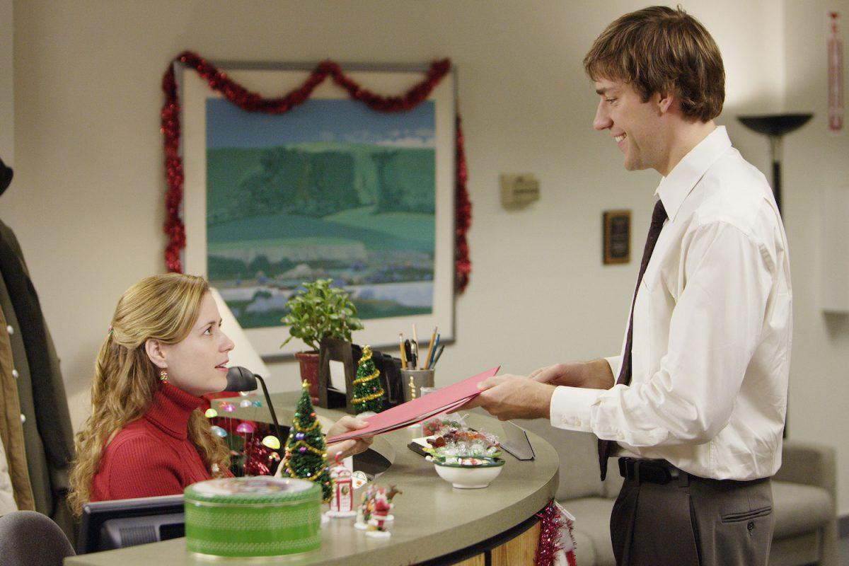 Jenna Fischer as Pam Beesly and John Krasinski as Jim Halpert on