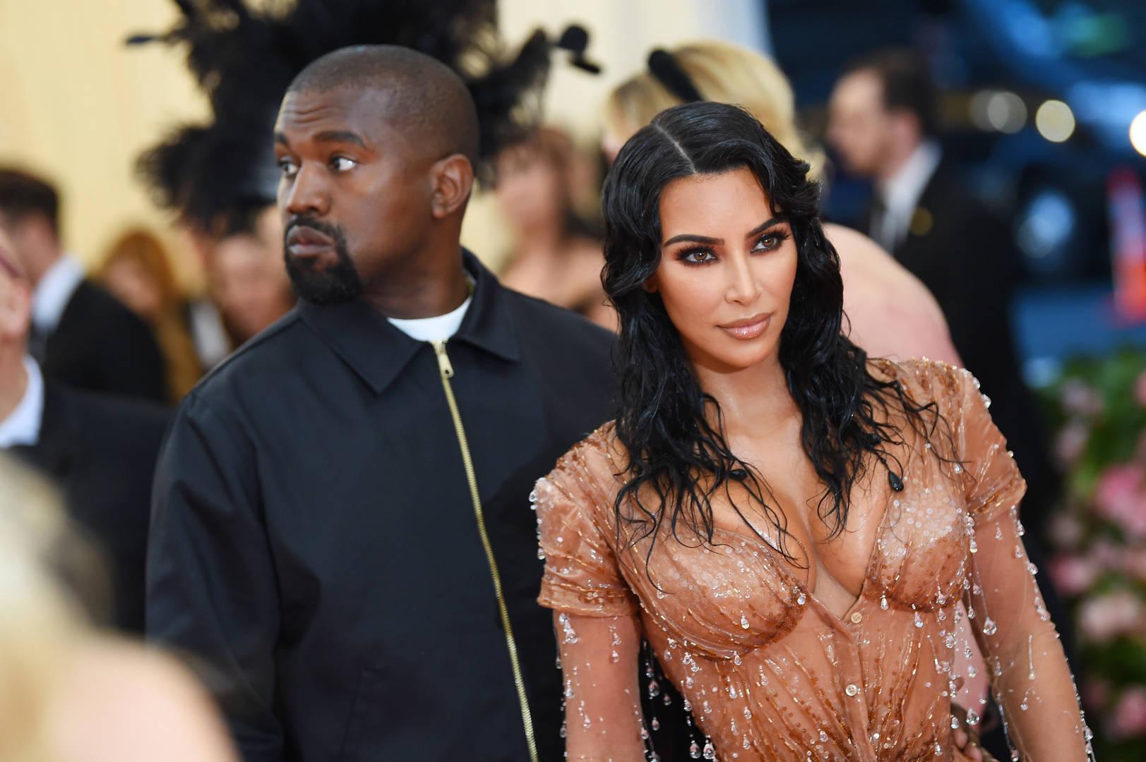 Kanye, Kim, perdu dans le monde
