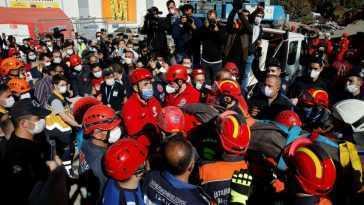 La Turquie Cherche Des Survivants Après Le Tremblement De Terre