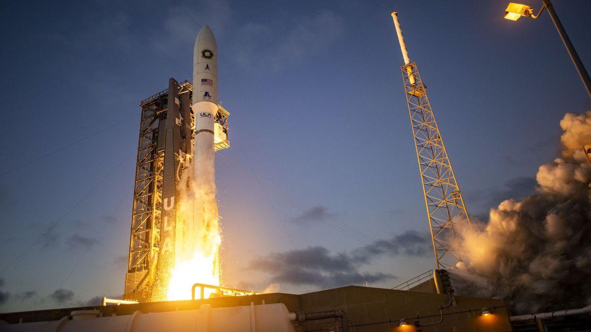La Fusée Atlas V Lance Le Satellite Espion Nrol 101 En
