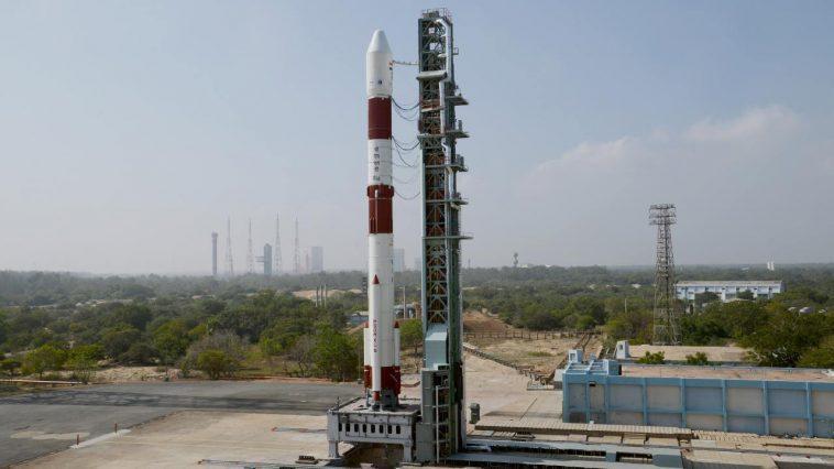 Le Pslv D'isro Lance Avec Succès 10 Satellites, Dont Eos 1,