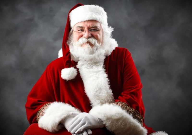 Le Père Noël, En Danger, Est Une Fonction Essentielle