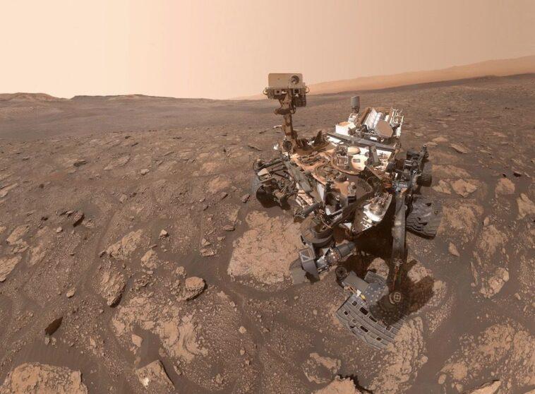Le Rover Curiosity De La Nasa Prend Un Superbe Selfie