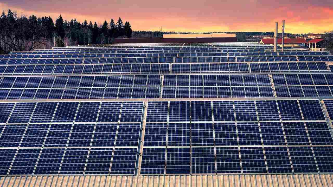 Le Vent, Les Panneaux Solaires Deviendront Bientôt La Principale Source
