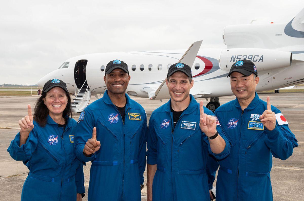 Les Astronautes De Spacex Crew 1 Feront Leurs Premiers Pas Dans