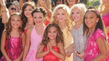Dance Moms cast: Maddie Ziegler, Brooke Hyland, Kendall Vertes, Mackenzie Ziegler, Chloé Lukasiak, Paige Hyland, and Nia Sioux