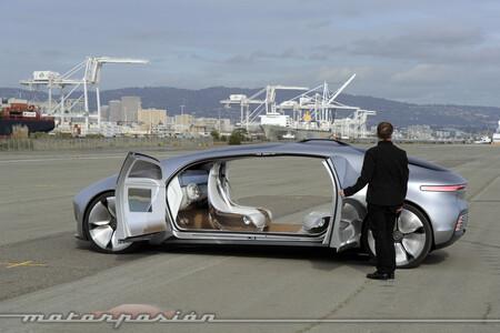 Voiture autonome Mercedes Benz 1