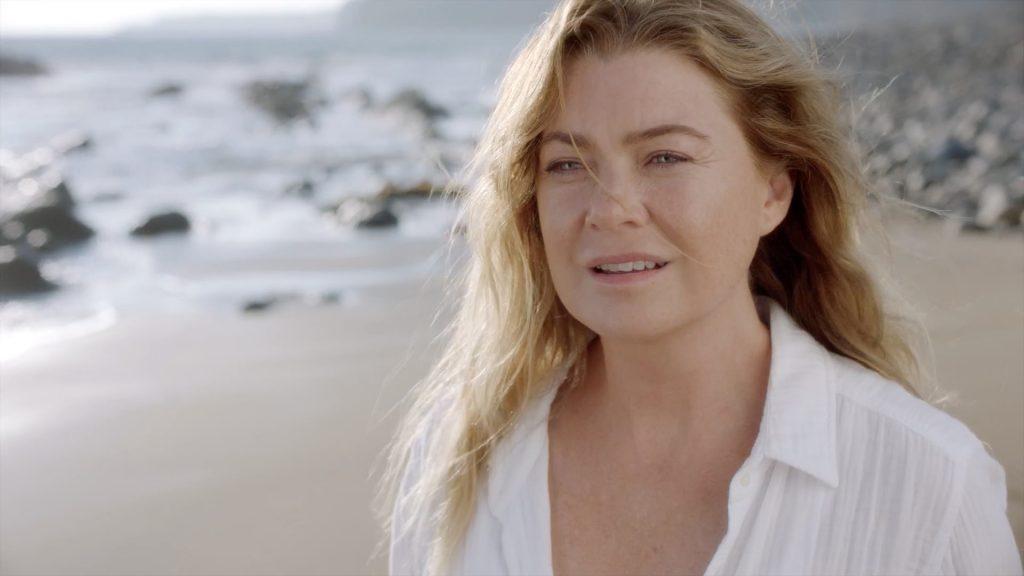 Ellen Pompeo dans le rôle de Meredith Grey à la plage dans la saison 17 de Grey's Anatomy en 2020