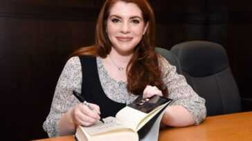 Stephenie Meyer author of the Twilight books