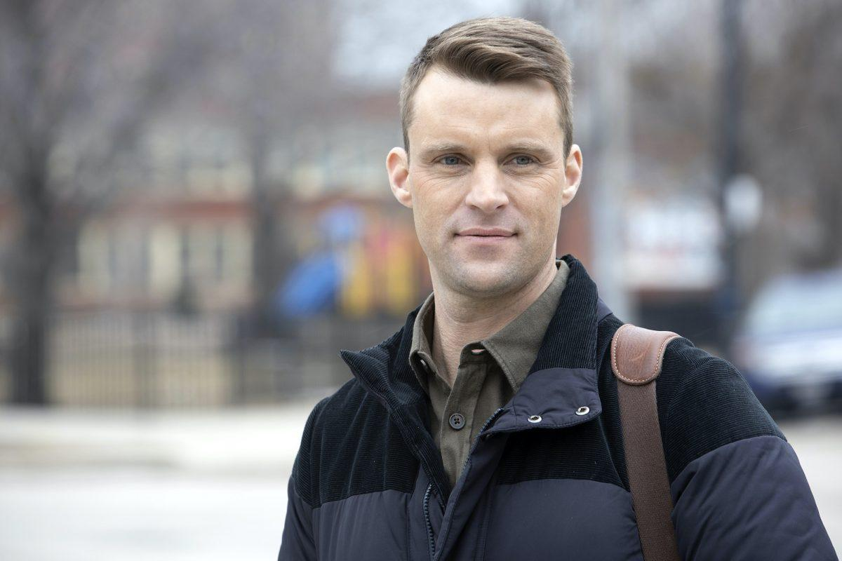 Jesse Spencer comme Matthew Casey