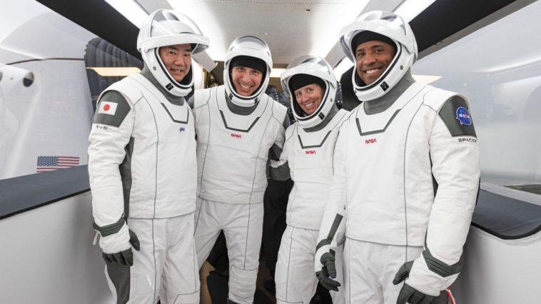 Rencontrez Crew 1: Ce Sont Les 4 Astronautes Qui Volent Sur