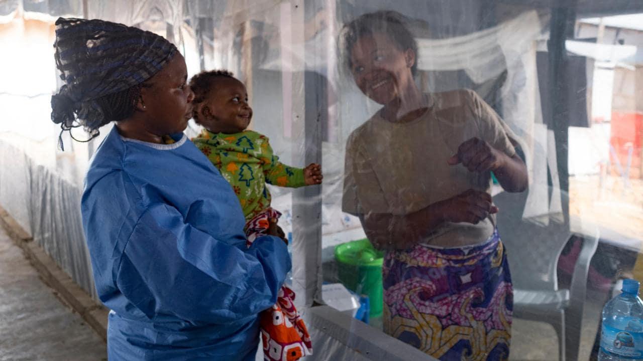Six Mois Après Le Premier Cas D'ebola Enregistré, L'épidémie Au