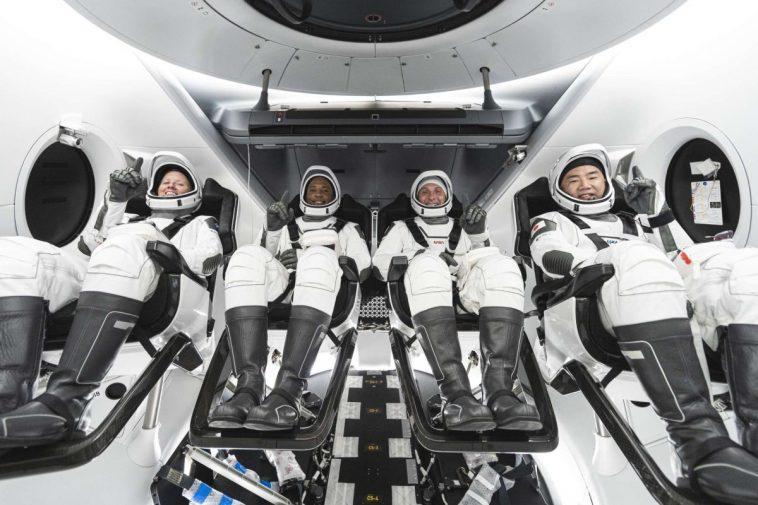 Spacex S'apprête à Lancer Sa Première Mission Iss Avec équipage