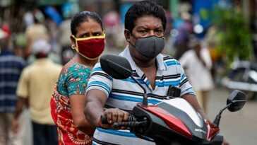 Un An Depuis La Pandémie: Des Vagues De Fausses Nouvelles