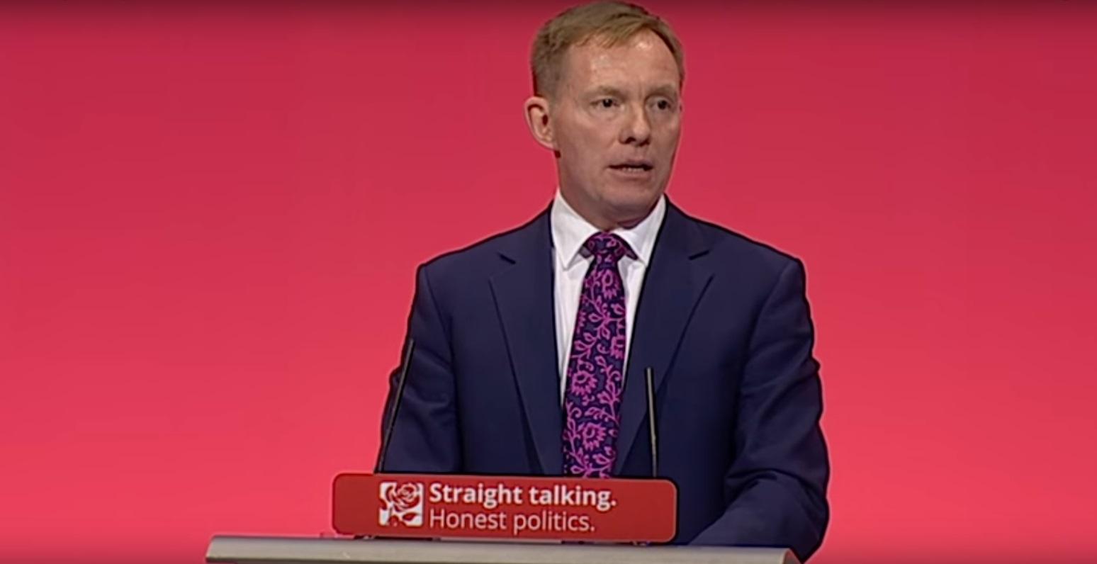 Le député travailliste Chris Bryant a parlé de ses expériences