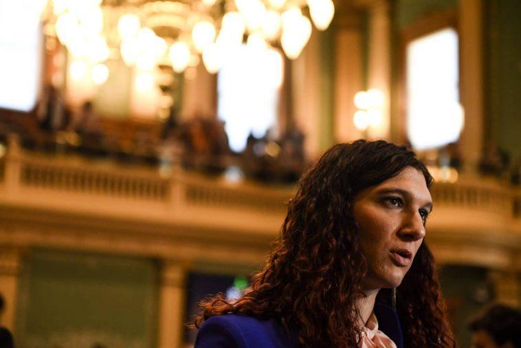 Un Législateur Trans Réélu Malgré Les Attaques Transphobes