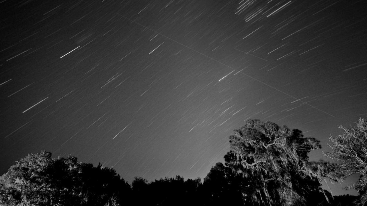 Une pluie de météores Leonid aura lieu ce mois-ci: quand et où regarder