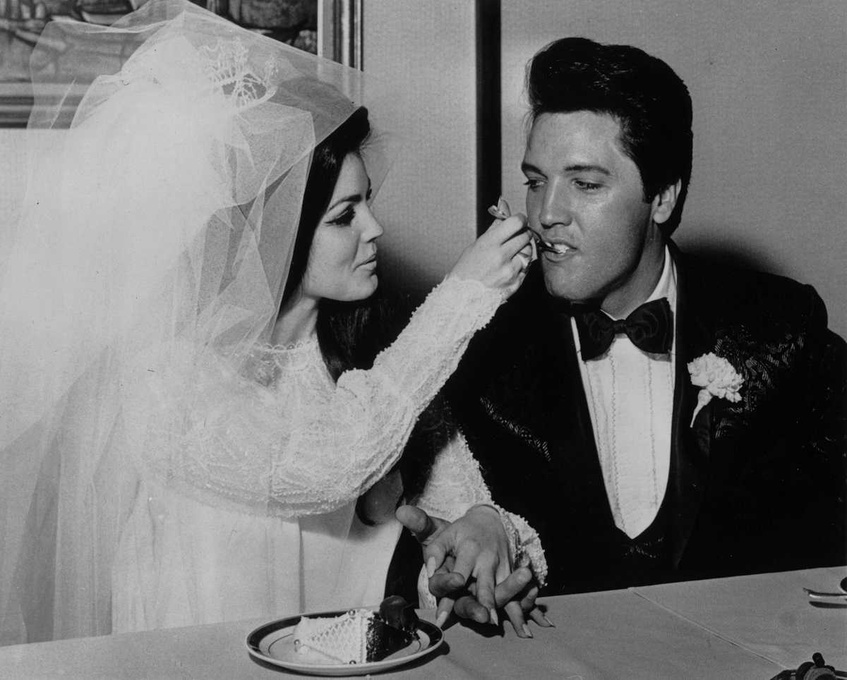 Elvis Presley et Priscilla Presley à leur mariage