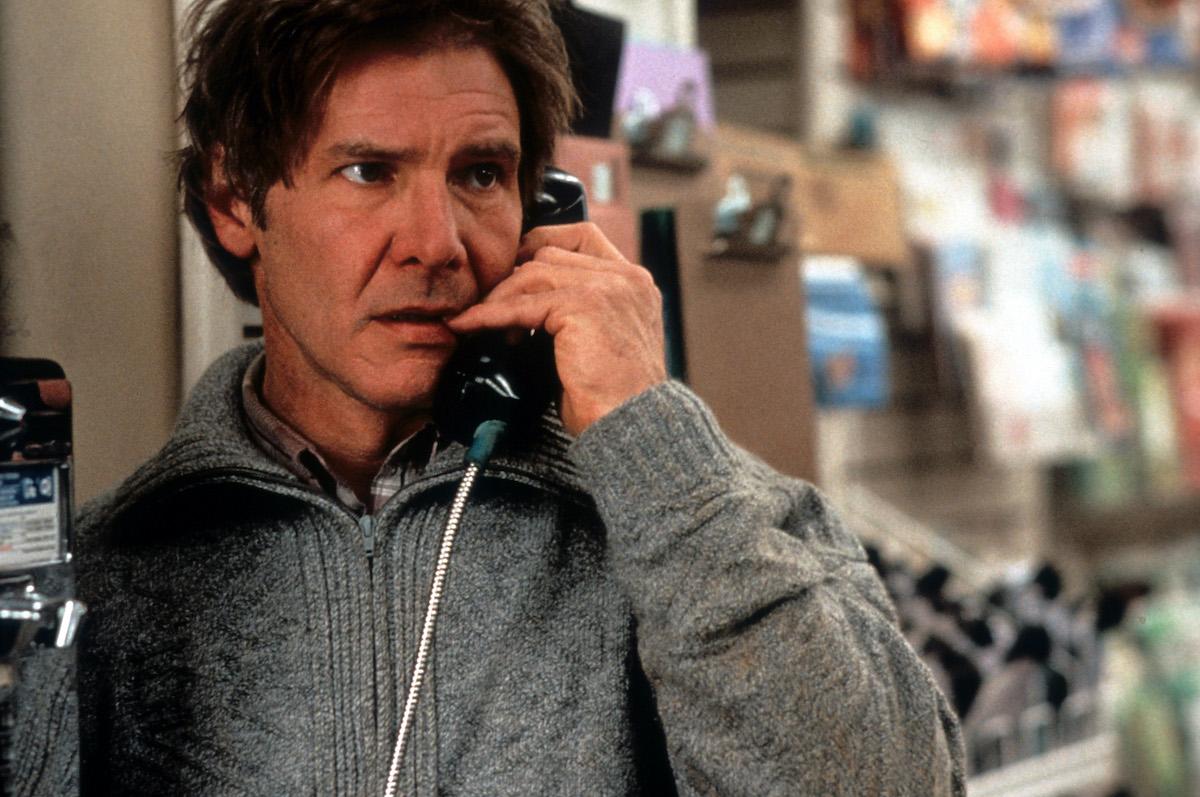 Harrison Ford au téléphone public dans une scène du film 'The Fugitive'
