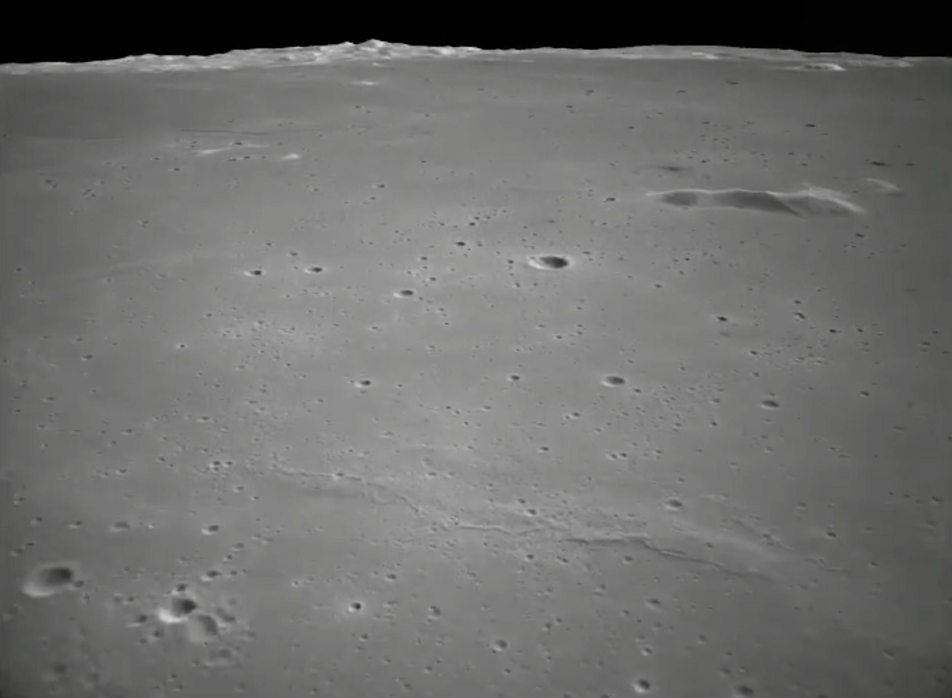 L'atterrisseur lunaire chinois Chang'e 5 capture ces vues de sa descente vers la surface lunaire le 1er décembre 2020.