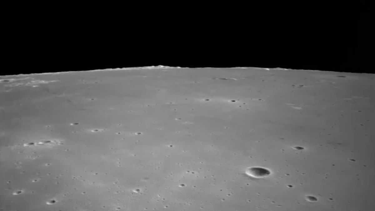 Regardez Le Vaisseau Spatial Chinois Atterrir Sur La Lune Dans