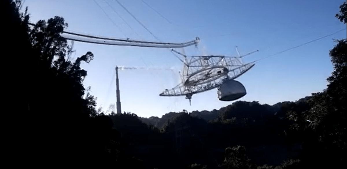 Des Images Terrifiantes Montrent L'effondrement Du Radiotélescope Massif De L'observatoire