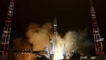 Regardez La Russie Lancer De Nouveaux Satellites Dans Cette Superbe