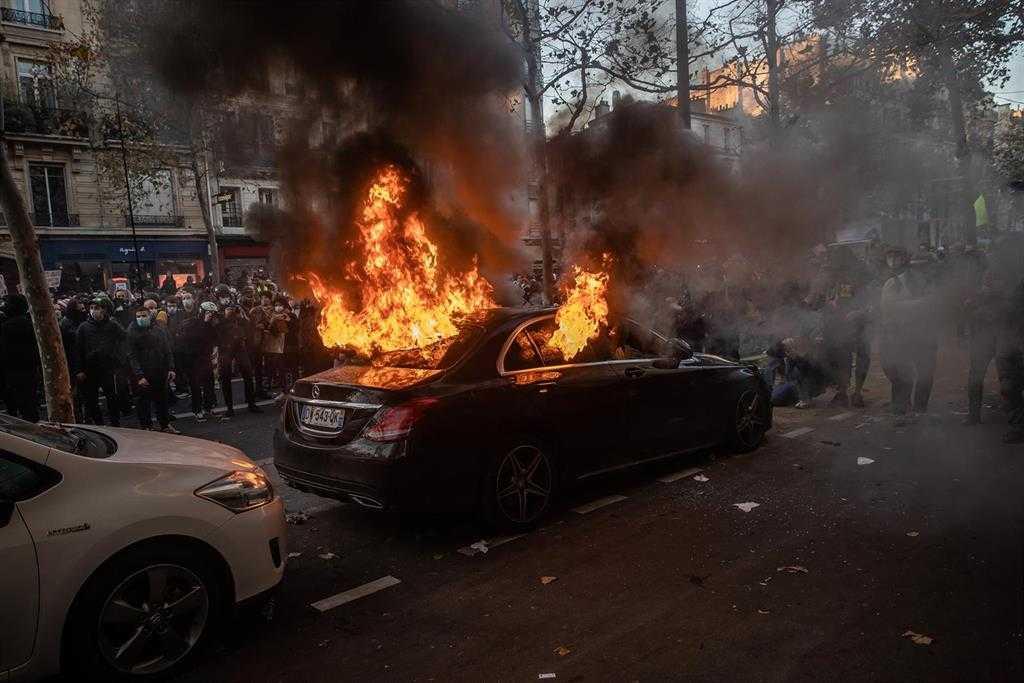 Au Moins 22 Personnes Arrêtées à Paris Lors Des Nouvelles