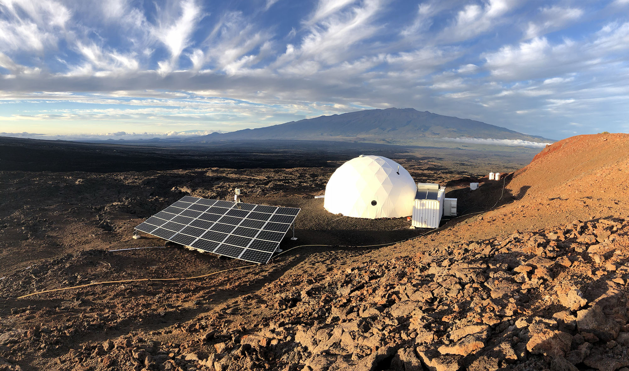 L'habitat HI-SEAS géré par l'International MoonBase Alliance sur le volcan Mauna Loa à Hawaï.