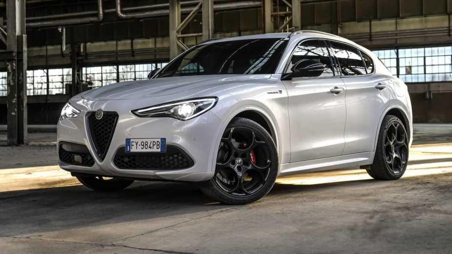 Alfa Romeo Stelvio Veloce Ti. «a Mi Chemin» Entre Le Quadrifoglio