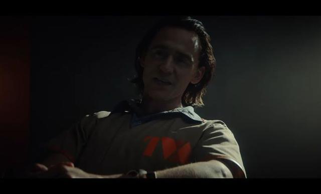 À Loki, le `` Dieu de la tromperie '' apparaît dans un uniforme de prison (Photo: Marvel / Disney +)