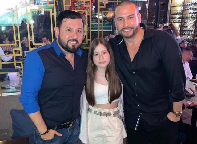 Rafael Amaya et son ami Roberto Tapia pour l'anniversaire de leur fille (Photo: Instagram)